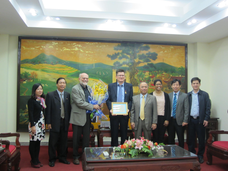 ADDA modtager pris i Vietnam