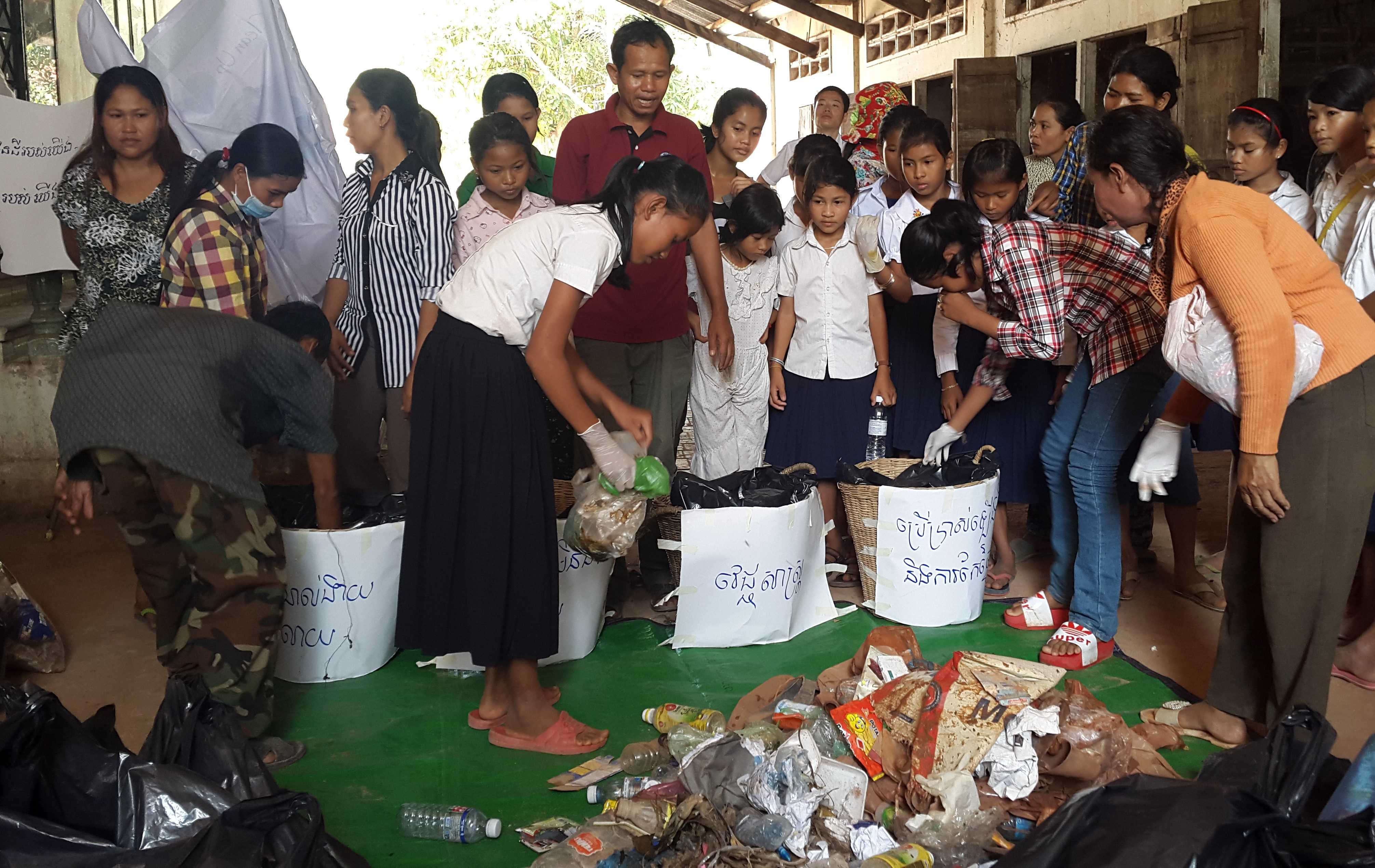 Community in Ampil leads the organisation of the environment day (2)