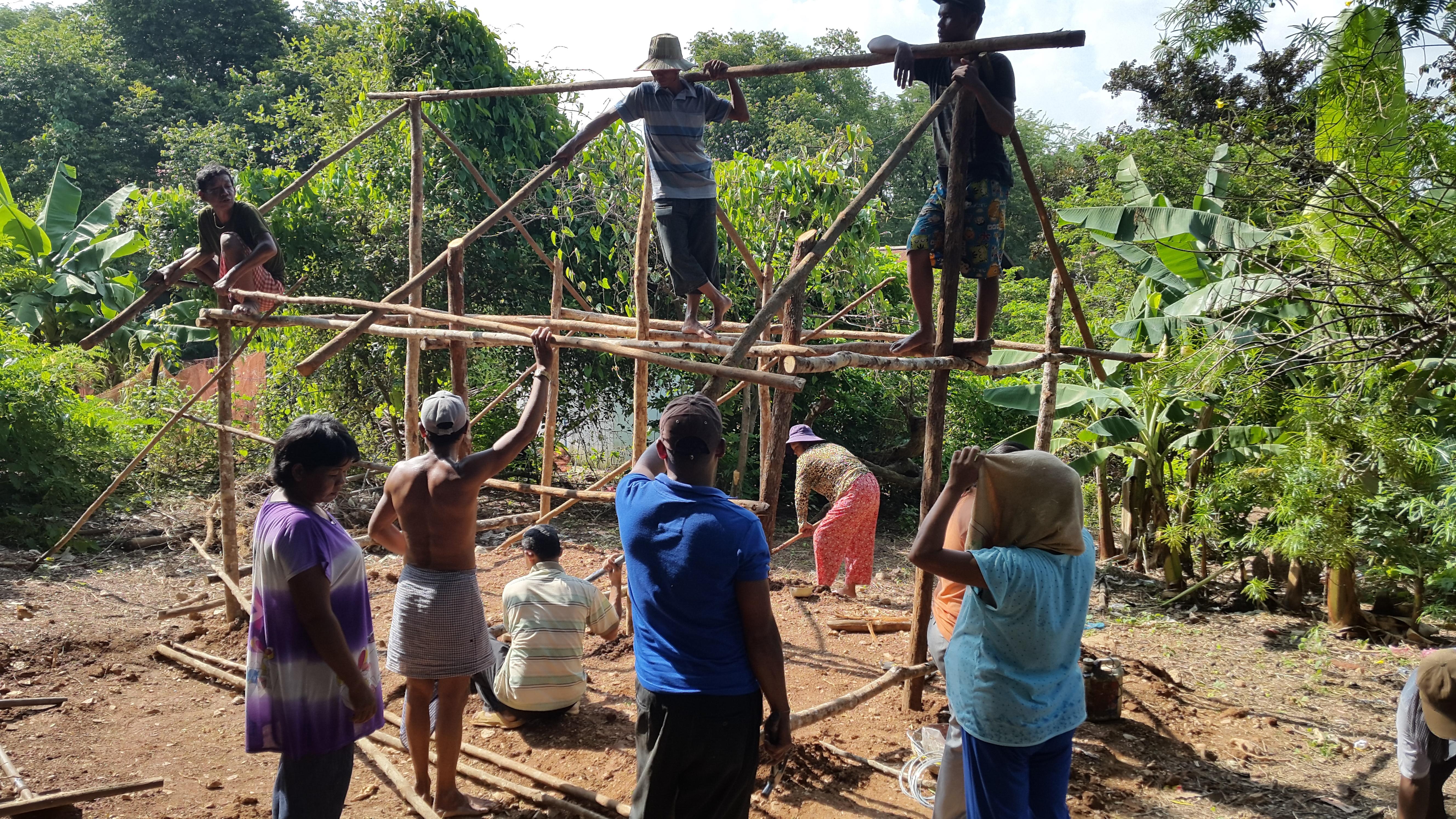 Landsbybeboerne fik penge til kyllingehus