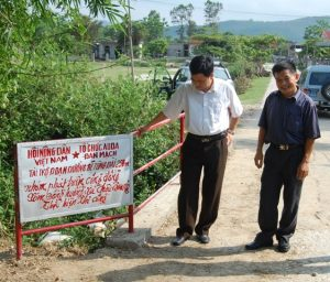 Bro i Thu Phong kommune i Hua Binh provinsen, opført for indsamlede ADDA midler.,cr,562x480